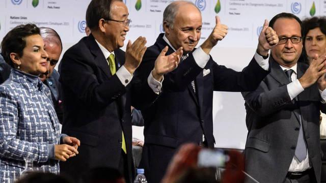 le-bourget-france-file-french-president-francois-hollande-2-r-executive-secretary-of-the-un-framework-convention-on-climate-change-unfccc-christiana-figueres-l-french-foreign-minister-laurent-fabius-c-and-united-na